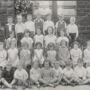 Colden 1932 (ID INCOMPLETE (Row 1 - Harry Sutcliffe, Row 2 - maybe Eunice Thornber, Row 3 - Joan  Thornber, Greta Sutcliffe).jpg