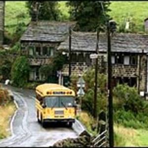 yellow bus2.jpg
